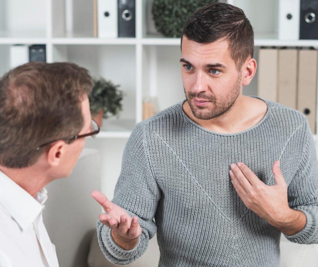 patient-explaining-his-problems